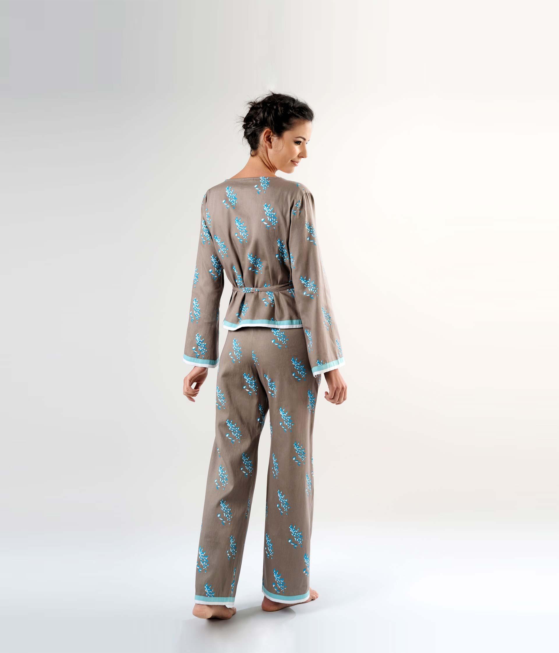 Sewing patterns ladies pyjamas Coba with a wrap-around top 9ade29234